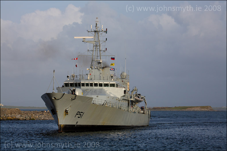 L E Roisin - Irish naval service vessel - approaches Galway Harbour